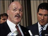 Шефу  полиции Нью-Йорка Бернарду Керику за целый ряд преступлений грозит тюремное заключение на 142 года