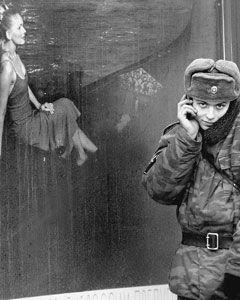 Каждого новобранца в Казани решили отправлять в армию с сотовым телефоном