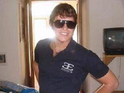 """Итальянский полицейский извинился за убийство болельщика футбольного клуба \""""Лацио\"""" Габриэле Сандри"""