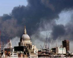 Пожар в Лондоне на месте будущей Олимпийской деревни (фото)