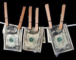 Новость на Newsland: Российские чиновники выводят свои сбережения в Гонконг