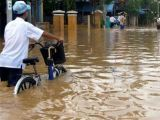 Из-за наводнений во Вьетнаме застряли тысячи туристов