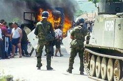 Албанские террористы заняли улицы городов на севере Косово
