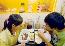 Ресторан-туалет «Modern toilette» в Тайване пользуется популярностью у туристов  (фото)