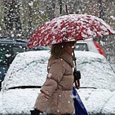 Снегопад отразился на автобизнесе: москвичи пересели на такси