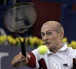 Николай Давыденко проиграл второй матч в турнире АТР швейцарцу Роже Федереру