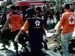 В Индонезии поезд столкнулся с двумя автомобилями: пятеро погибших