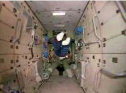 Один день из жизни в космосе (видео)