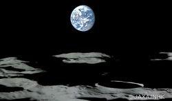 Уникальная видеосъемка с лунной орбиты (видео)