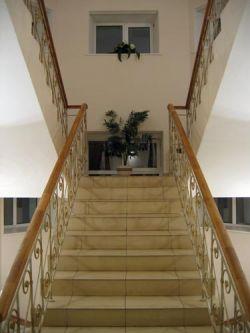 Поднимаясь по лестнице, вы защищаете своe сердце
