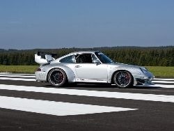 Новость на Newsland: Немецкие тюнеры превратили классический Porsche в трековый болид