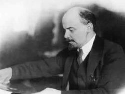 Новость на Newsland: Россияне пока не готовы к захоронению тела Ленина