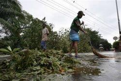 "Циклон \""Сидр\"" в Бангладеш: счет жертвам идет на сотни"