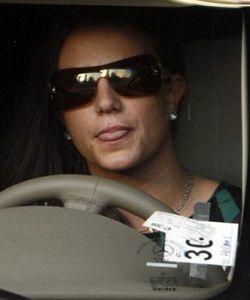 Бритни Спирс отдавила уже третью за месяц ногу