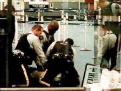 В аэропорту Ванкувера канадские полицейские убили гражданина Польши (видео)