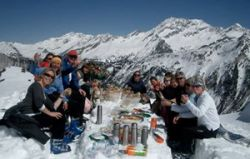 Пикник на горном склоне запомнится на всю жизнь