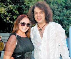 София Ротару обвинила Филиппа Киркорова в том, что он подарил ей ношеное украшение