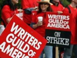 Бастующие голливудские сценаристы согласились сесть за стол переговоров