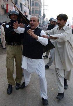 Пакистан находится на грани самого серьёзного политического кризиса