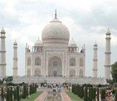 В Индии туристам запретили расплачиваться долларами