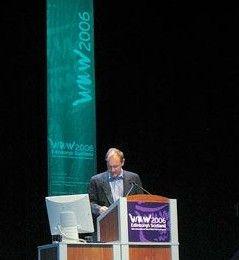 Тим Бернерс-Ли, разработчик технологии WWW: Мобильный интернет следует открывать