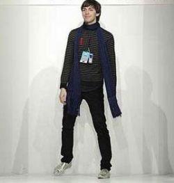 Дизайнеры рекомендуют мужчинам носить мятые костюмы и растянутые майки