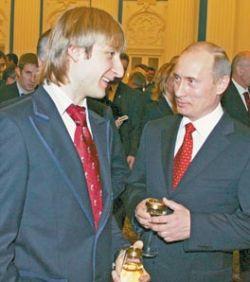 Жена отбирает у Евгения Плющенко квартиру, подаренную Владимиром Путиным