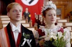 Фильм Иржи Менцеля «Я обслуживал английского короля» выходит в российский прокат