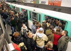 Забастовка железнодорожников обошлась Франции в 100 млн евро