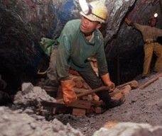 Число погибших при взрыве на шахте в Донецке достигло 80