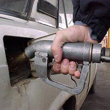 """Правительство отказалось от \""""заморозки\"""" цен на бензин"""