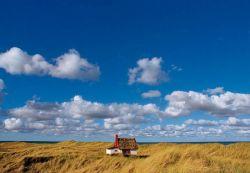 Затеряться в домике с видом на вечность: 12 невероятных ландшафтов