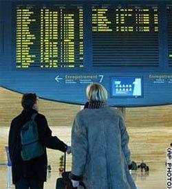 Самолеты из Парижа вылетают с опозданием из-за забастовки