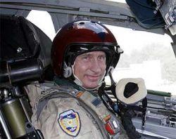 """Перед самыми выборами Владимир Путин стал вдруг очень взволнован тем, что российские офицеры живут в \""""вонючих хрущевках\"""""""