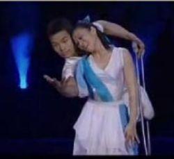 """Красивая постановка от китайского балета инвалидов """"Hand in hand"""" (""""Рука в Руке"""") (видео)"""