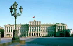Питерский парламент призвал горожан поддержать Владимира Путина