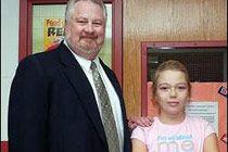Директор школы Джим Фриэл подарил почку 13-летней ученице Морган Корлисс