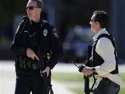 Неизвестный расстрелял веселящихся на карнавале в США
