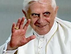 Бенедикт XVI собирается отречься от престола