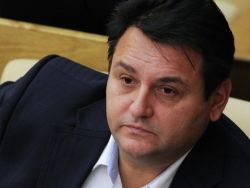 Миронов: депутат Михеев два месяца не может попасть в СКР