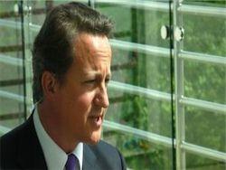 Британский премьер извинился за смерть 1200 пациентов больницы