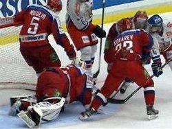 Сборная России по хоккею проиграла чехам на Шведских играх