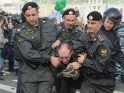 За год в России задержали пять тысяч протестующих