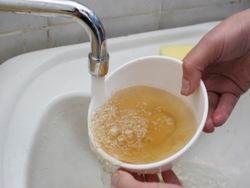 Новость на Newsland: Желтую воду из крана признали