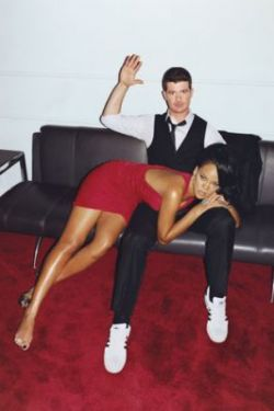 Певицу Риану (Rihanna) отшлепали для журнала GQ (фото)