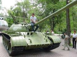 В Германии собрали самый тяжелый мотоцикл в мире с двигателем от советского танка