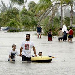 Во Вьетнаме эвакуируют людей из-за тайфуна