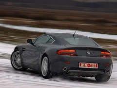 Short-DRIVE: встречаем зиму на Aston Martin V8 Vantage