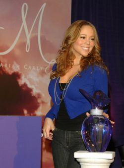 "Мэрайя Кери презентовала новые духи \""M by Mariah Carey\"" (фото)"