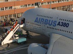 """Будущее \""""Airbus\""""- под угрозой из-за завышенного курса евро к доллару"""